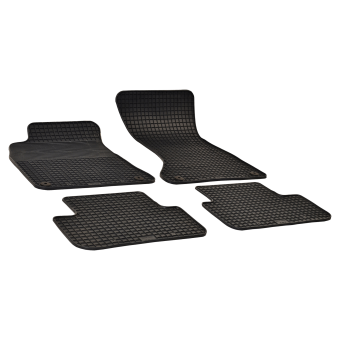 Rubber floor mats with round clips